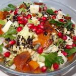 Антиоксидантный листовой салат с хурмой и гранатом